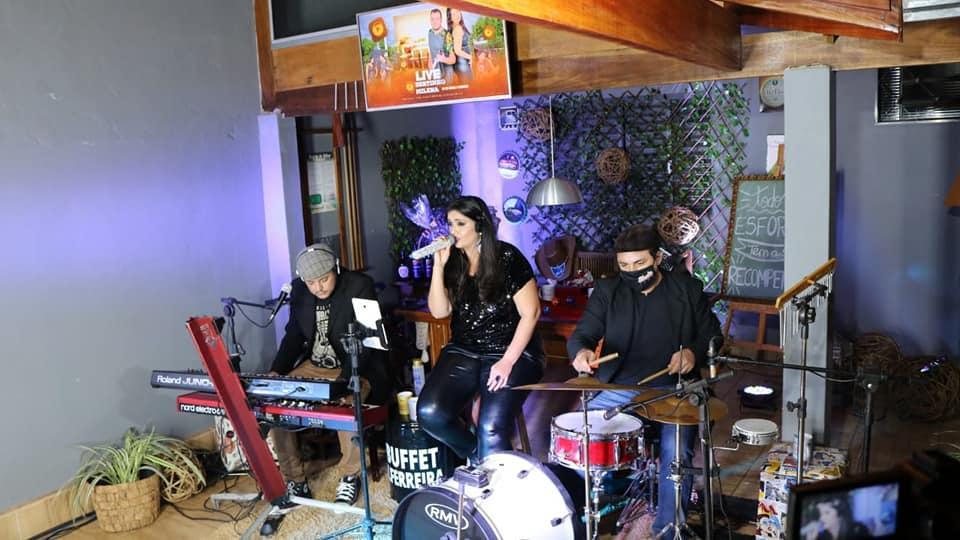 Live em casa! Bertinho e Milena Skala Show